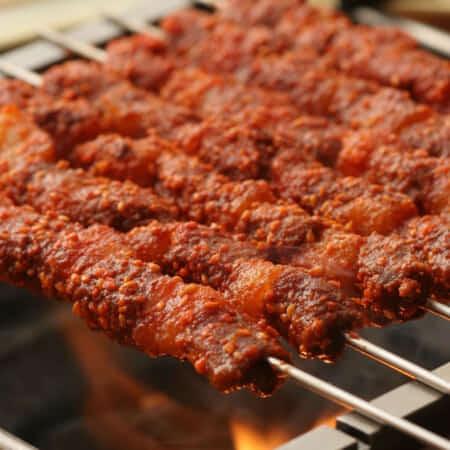 ヤンコチ(羊肉ロースの串焼き)